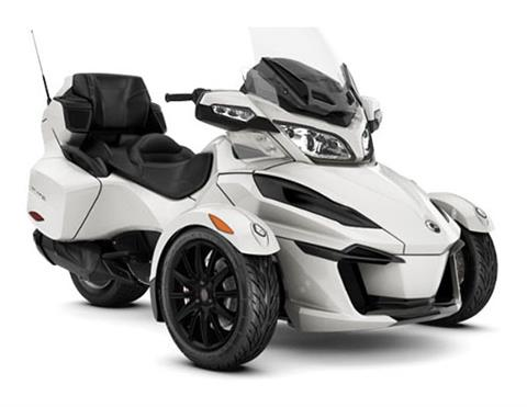 2018 Can-Am Spyder RT SE6 in Augusta, Maine
