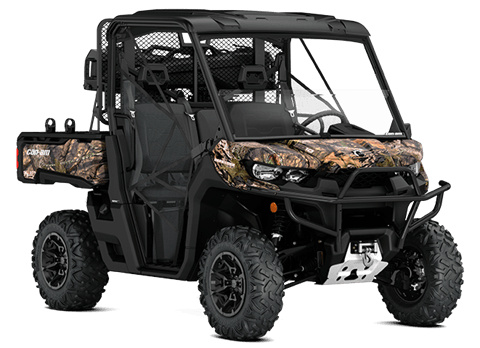 2018 Can-Am Defender Mossy Oak Hunting Edition in Colebrook, New Hampshire