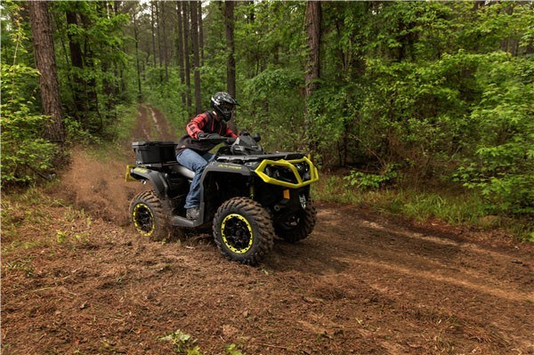 2019 Can-Am Outlander XT-P 850 in Colebrook, New Hampshire