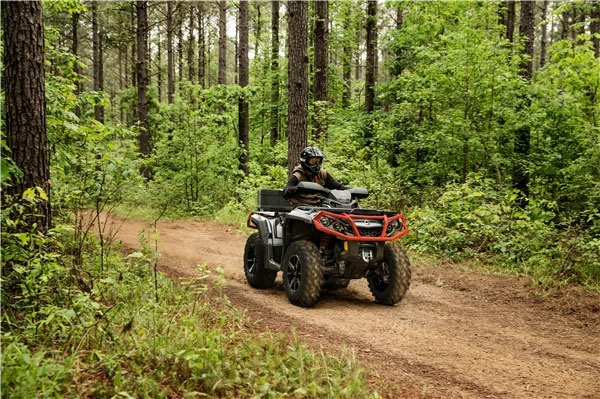 2019 Can-Am Outlander XT 650 in Victorville, California