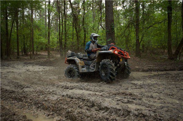 2019 Can-Am Outlander X mr 1000R in Oak Creek, Wisconsin