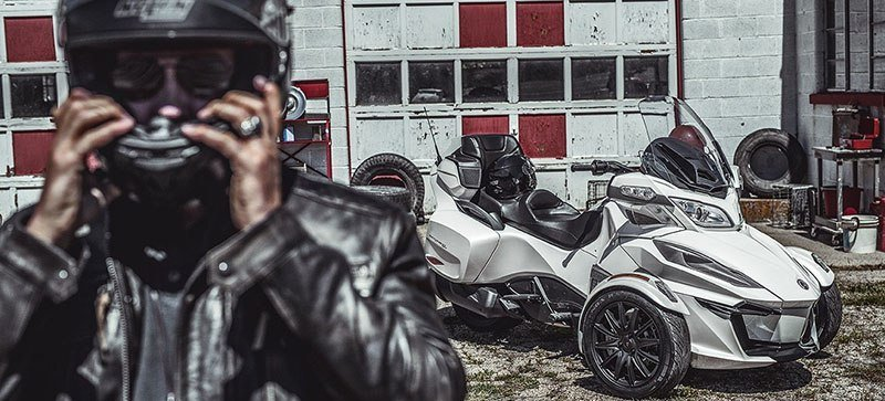 2019 Can-Am Spyder RT in Santa Maria, California