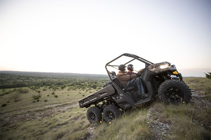 2020 Can-Am Defender 6x6 DPS HD10 in Safford, Arizona - Photo 3