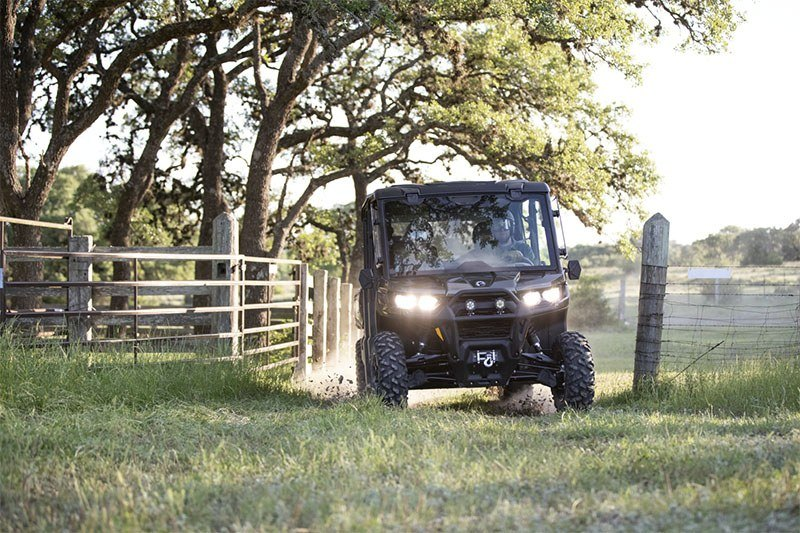 2020 Can-Am Defender MAX XT HD10 in Danville, West Virginia - Photo 3