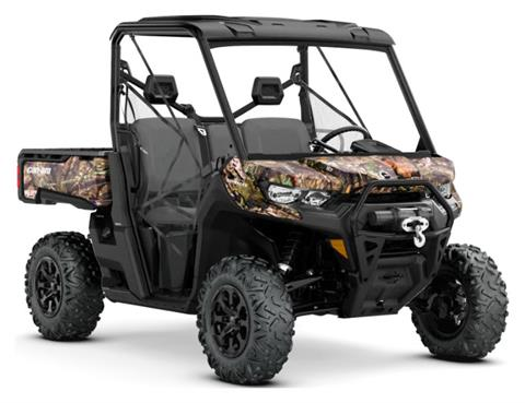 2020 Can-Am Defender Mossy Oak Edition HD10 in Barre, Massachusetts