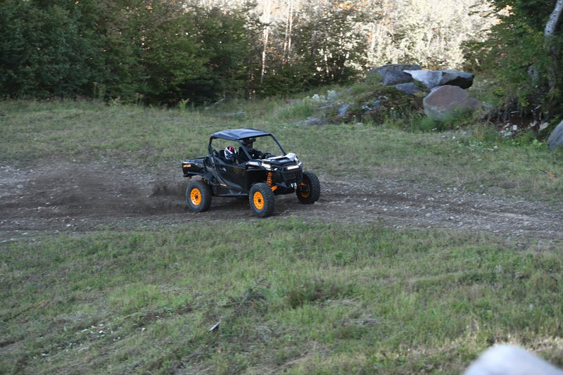 2021 Can-Am Commander X-TP 1000R in Kittanning, Pennsylvania