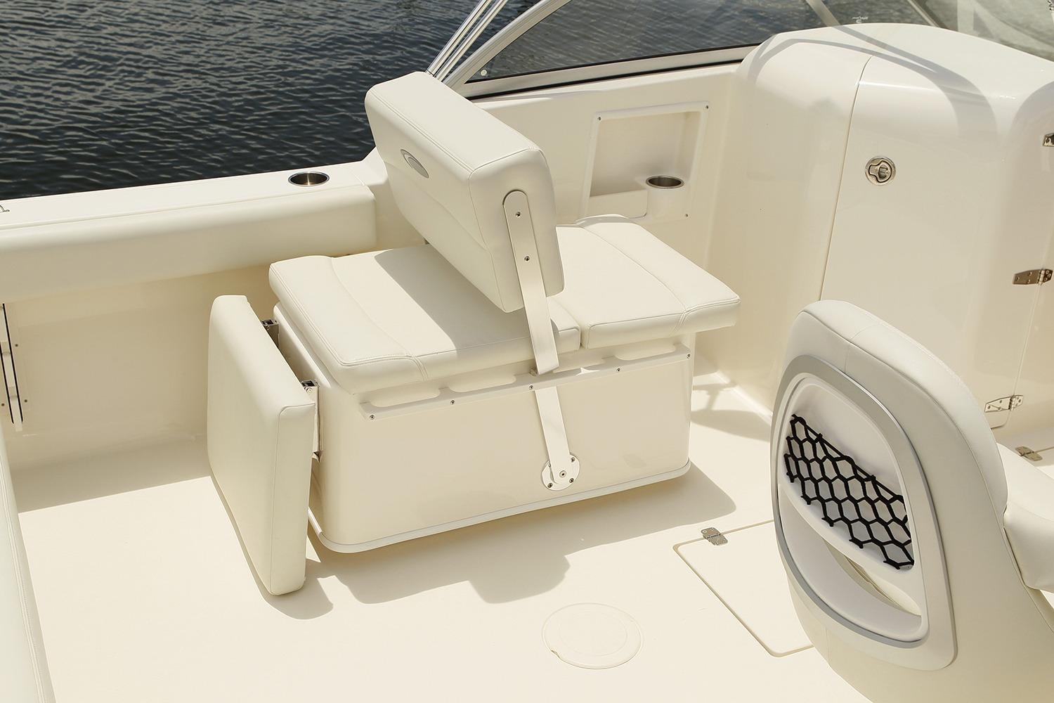 2018 Cobia 220 Dual Console in Chesapeake, Virginia