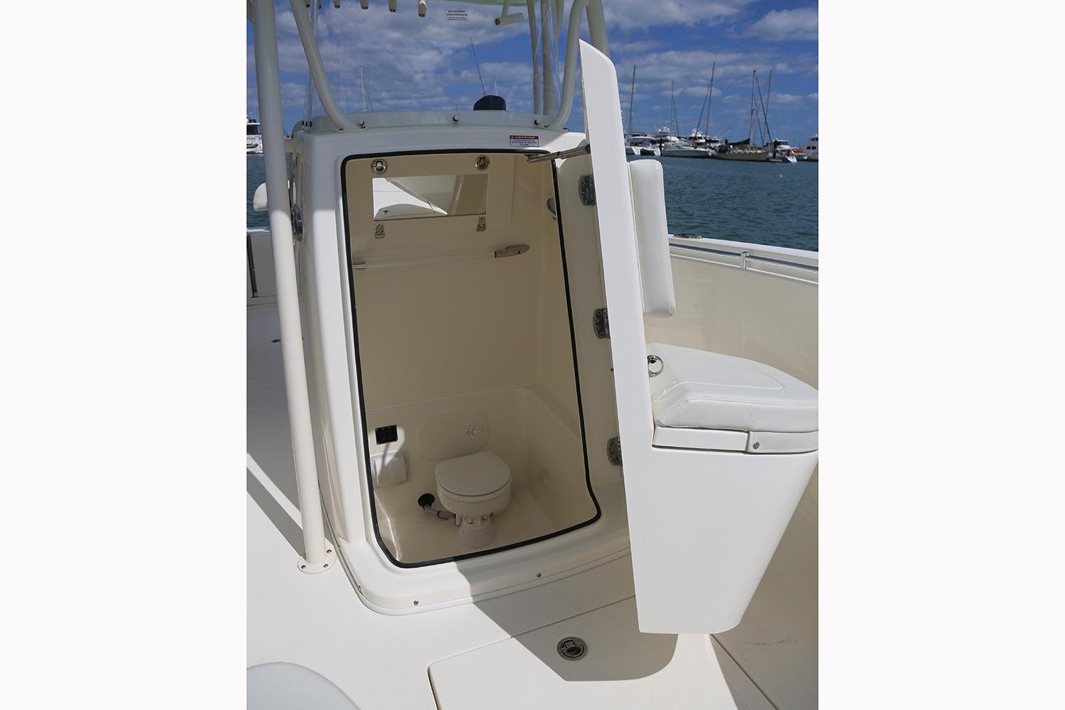 2019 Cobia 261 Center Console in Chesapeake, Virginia - Photo 15