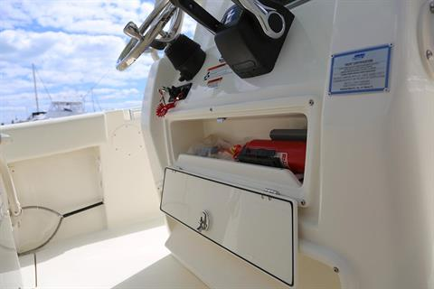 2019 Cobia 261 Center Console in Chesapeake, Virginia - Photo 18