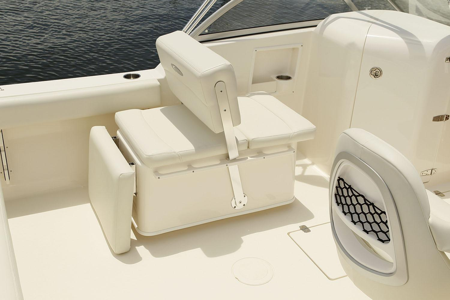 2020 Cobia 220 Dual Console in Chesapeake, Virginia - Photo 7