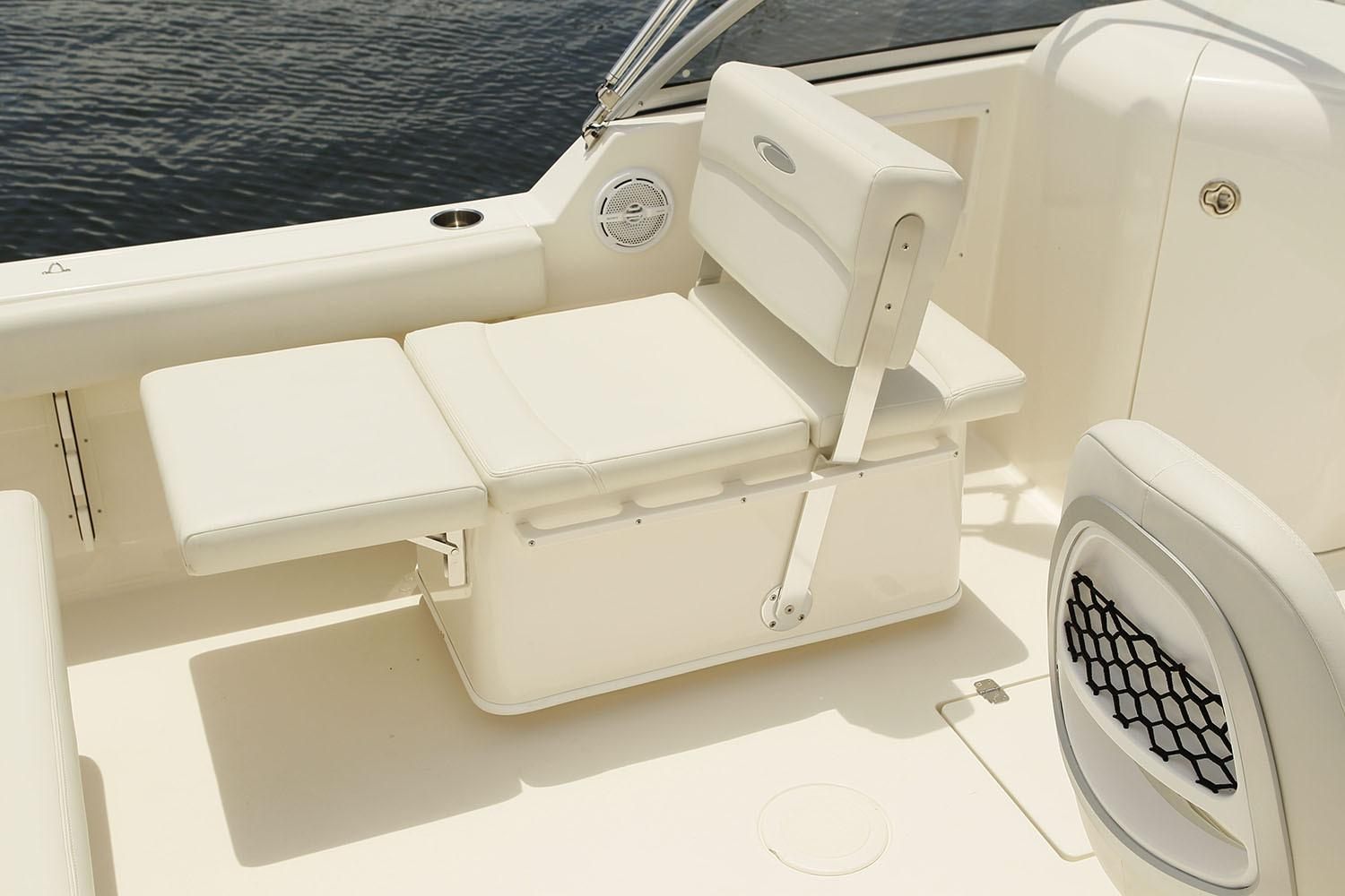 2020 Cobia 220 Dual Console in Chesapeake, Virginia - Photo 8