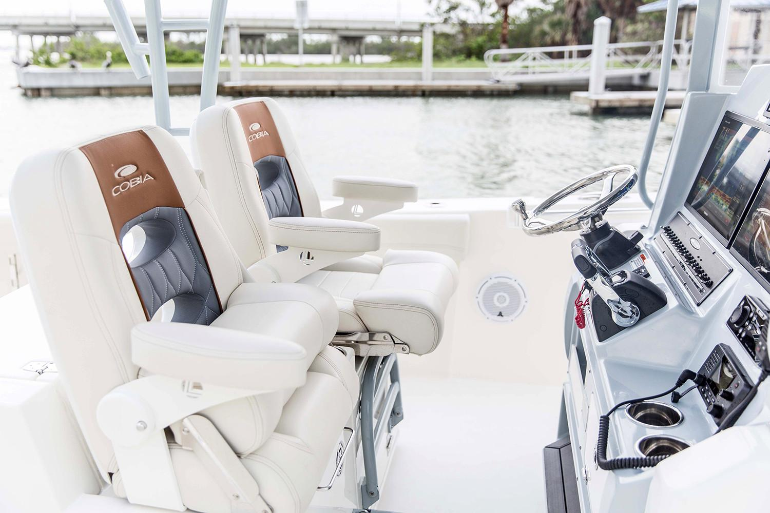 2021 Cobia 320 Center Console in Chesapeake, Virginia - Photo 9