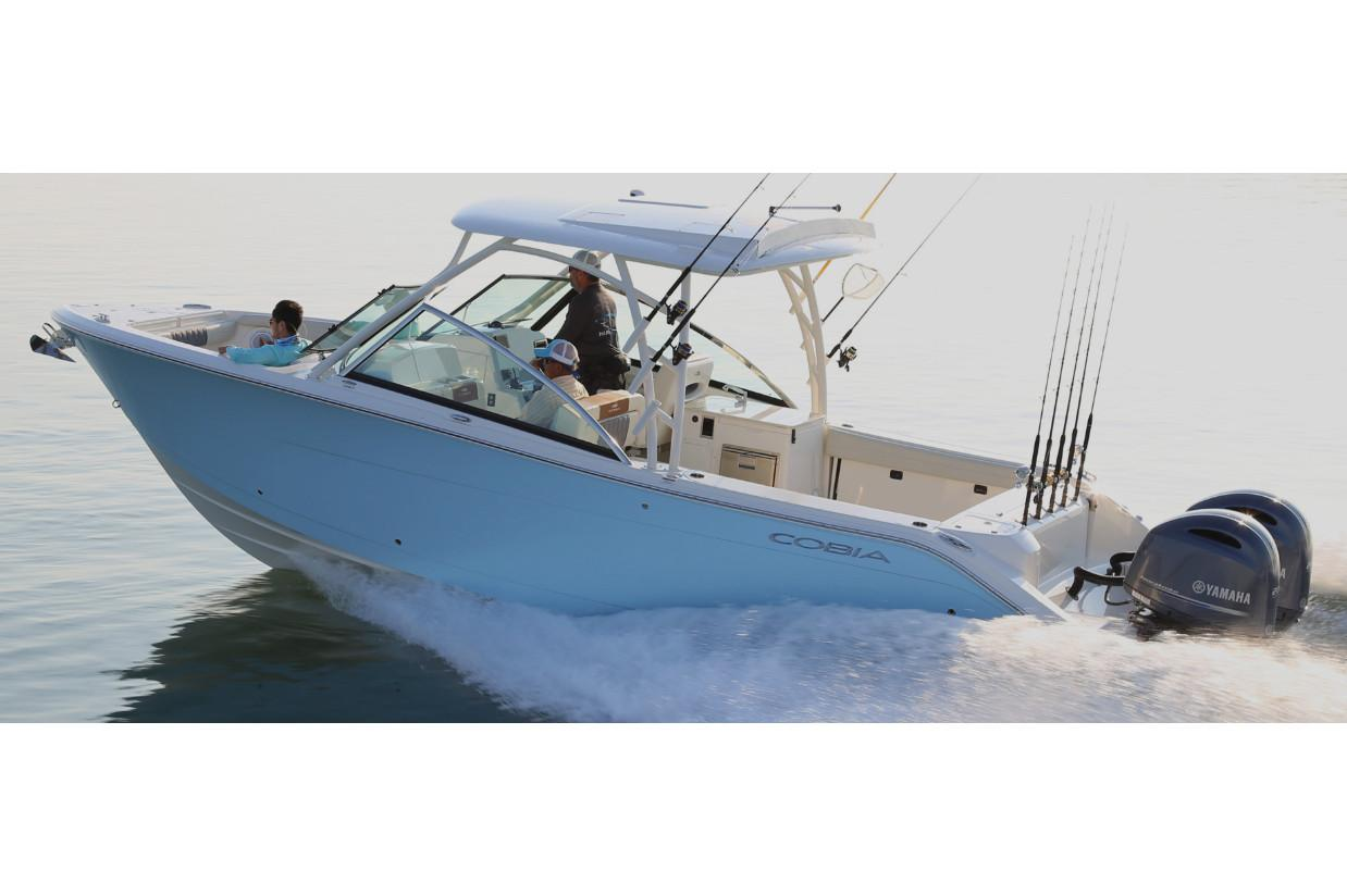 2021 Cobia 280 Dual Console in Chesapeake, Virginia - Photo 2