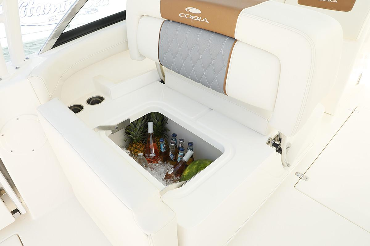 2021 Cobia 280 Dual Console in Chesapeake, Virginia - Photo 11