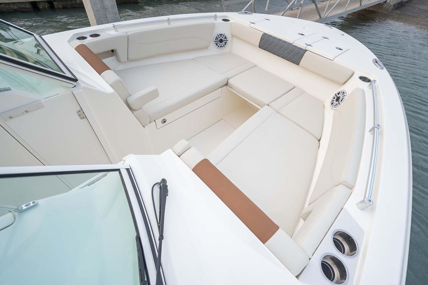 2021 Cobia 330 Dual Console in Chesapeake, Virginia - Photo 3