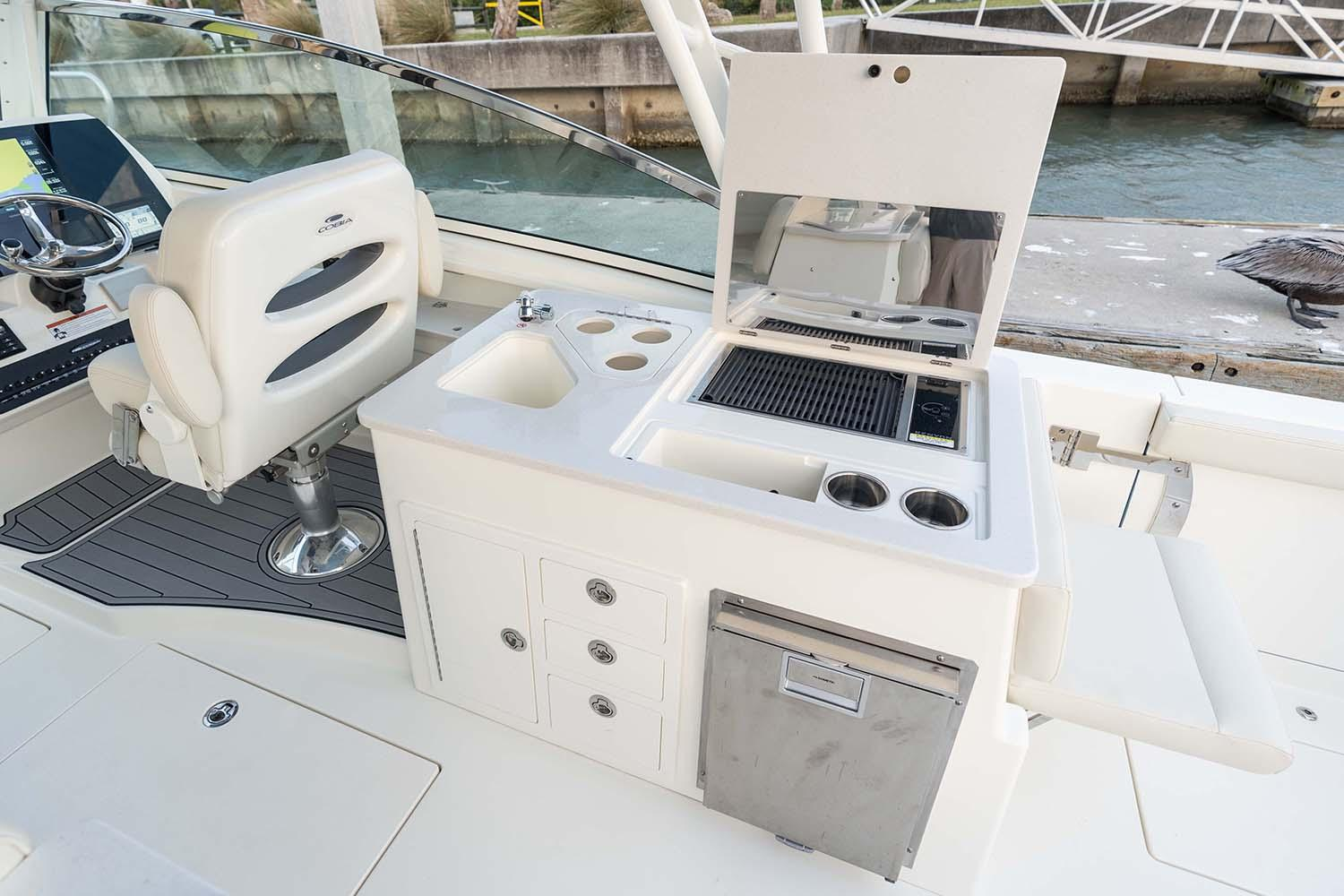 2021 Cobia 330 Dual Console in Chesapeake, Virginia - Photo 7