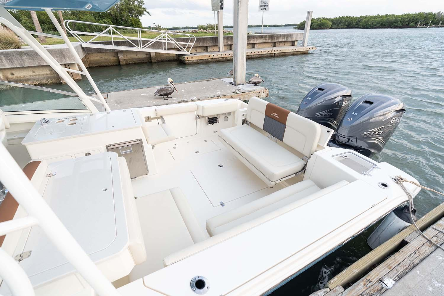2021 Cobia 330 Dual Console in Chesapeake, Virginia - Photo 12