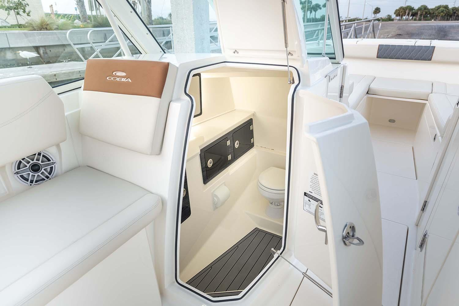 2021 Cobia 330 Dual Console in Chesapeake, Virginia - Photo 19