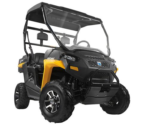 2017 Cub Cadet Challenger 400LX in Hillman, Michigan