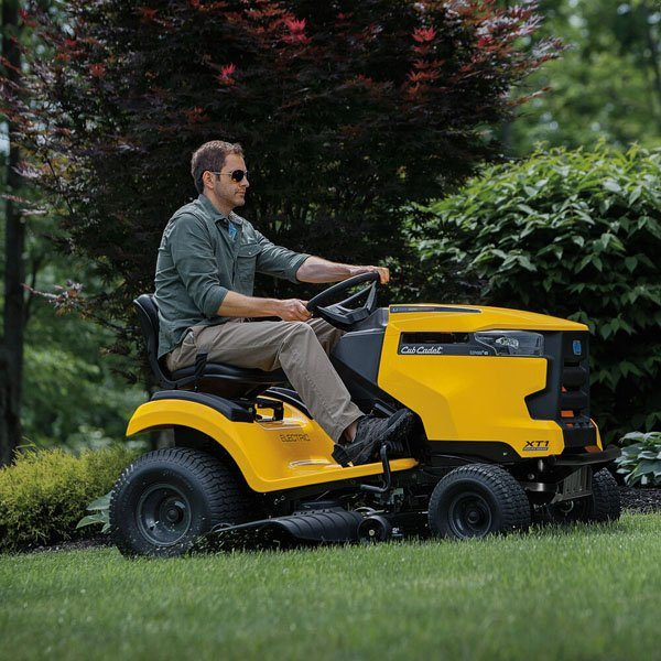 2020 Cub Cadet LT42 E 42 in. Electric Riding Mower in Greenland, Michigan - Photo 5