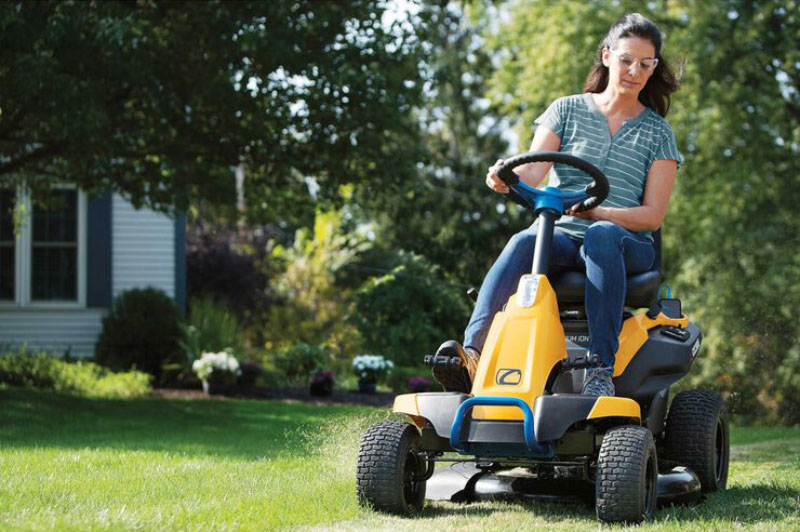 2021 Cub Cadet CC 30 in. E Electric in Berlin, Wisconsin - Photo 4