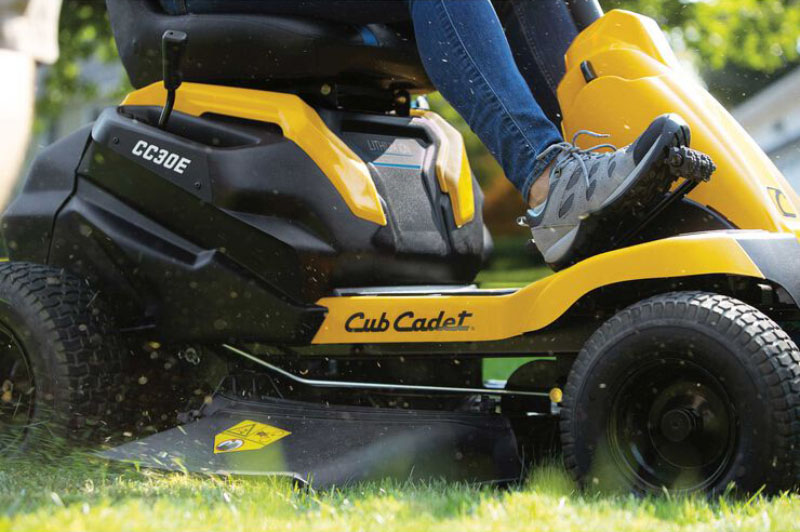 2021 Cub Cadet CC 30 in. E Electric in Westfield, Wisconsin - Photo 5