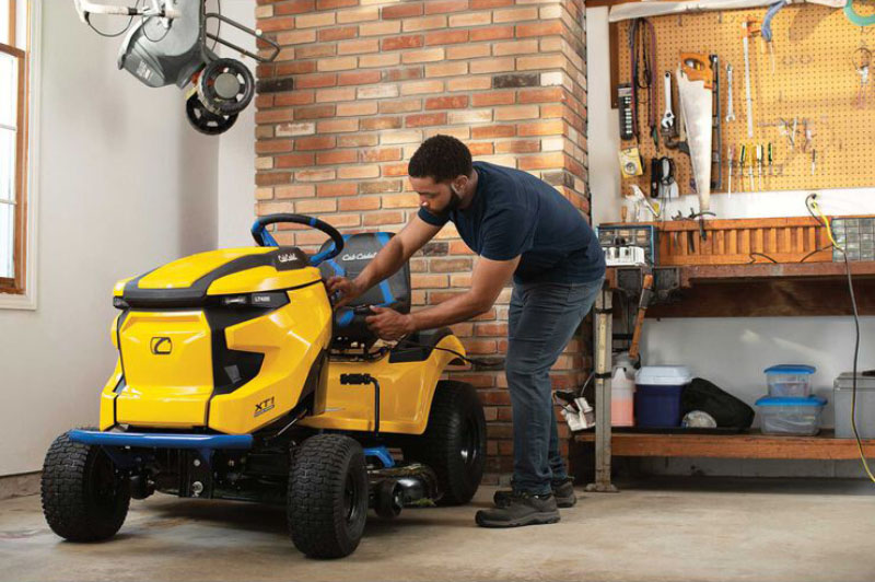 2021 Cub Cadet XT1 LT42E 42 in. Electric in Livingston, Texas - Photo 6