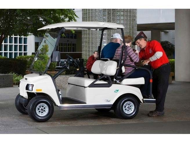 2017 Club Car Villager 2+2 LSV (Electric) in Gaylord, Michigan