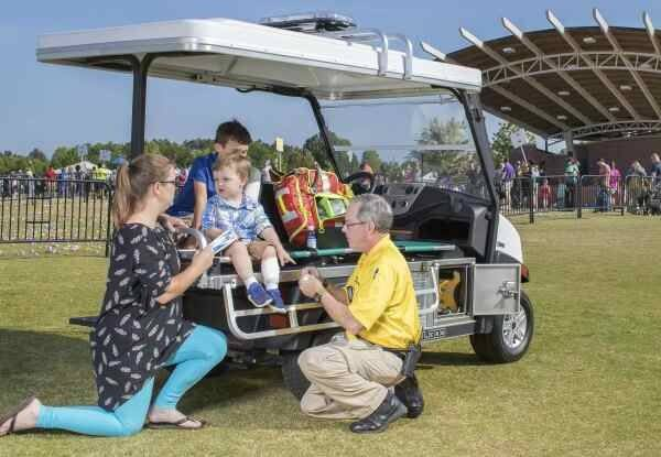 2019 Club Car Carryall 300 Gasoline in Lakeland, Florida - Photo 4