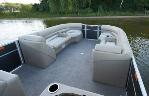 2012 Crest II 230 in Round Lake, Illinois