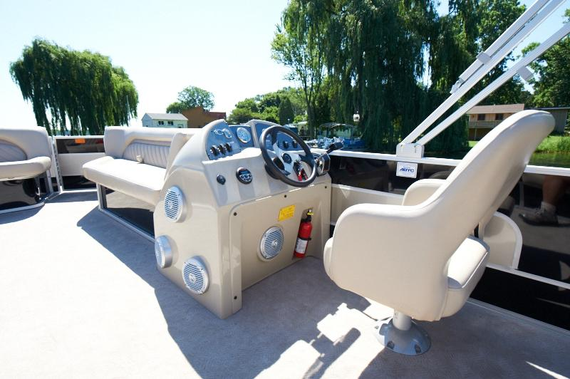 2012 Crest Wave 230 Touring L in Round Lake, Illinois