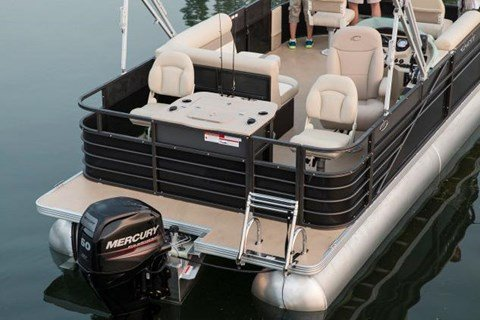 2016 Crest II Fish 210 SF in Round Lake, Illinois