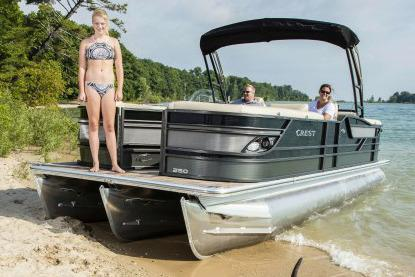2017 Crest Classic 230 SLR2 in Manitou Beach, Michigan