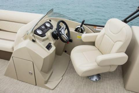 2017 Crest II 230 SLE in Round Lake, Illinois