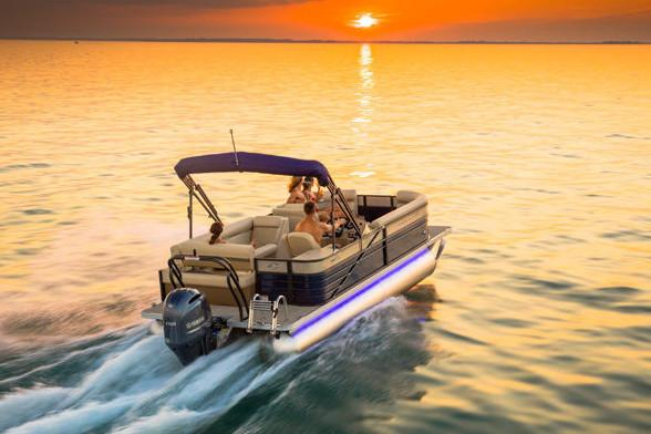 2018 Crest II 250 SLE in Manitou Beach, Michigan