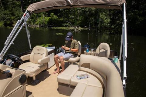 2019 Crest I Fish 220 C4 in Albert Lea, Minnesota
