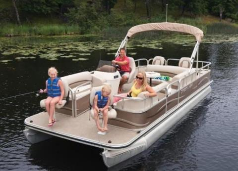 2010 Crestliner Escape 2385 in Kaukauna, Wisconsin