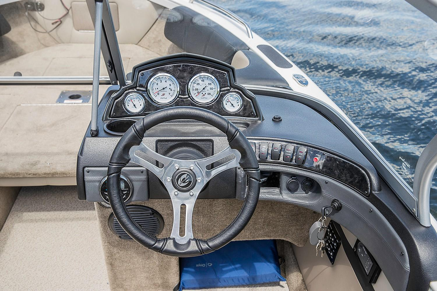 2019 Crestliner 2150 Sportfish SST in Cable, Wisconsin