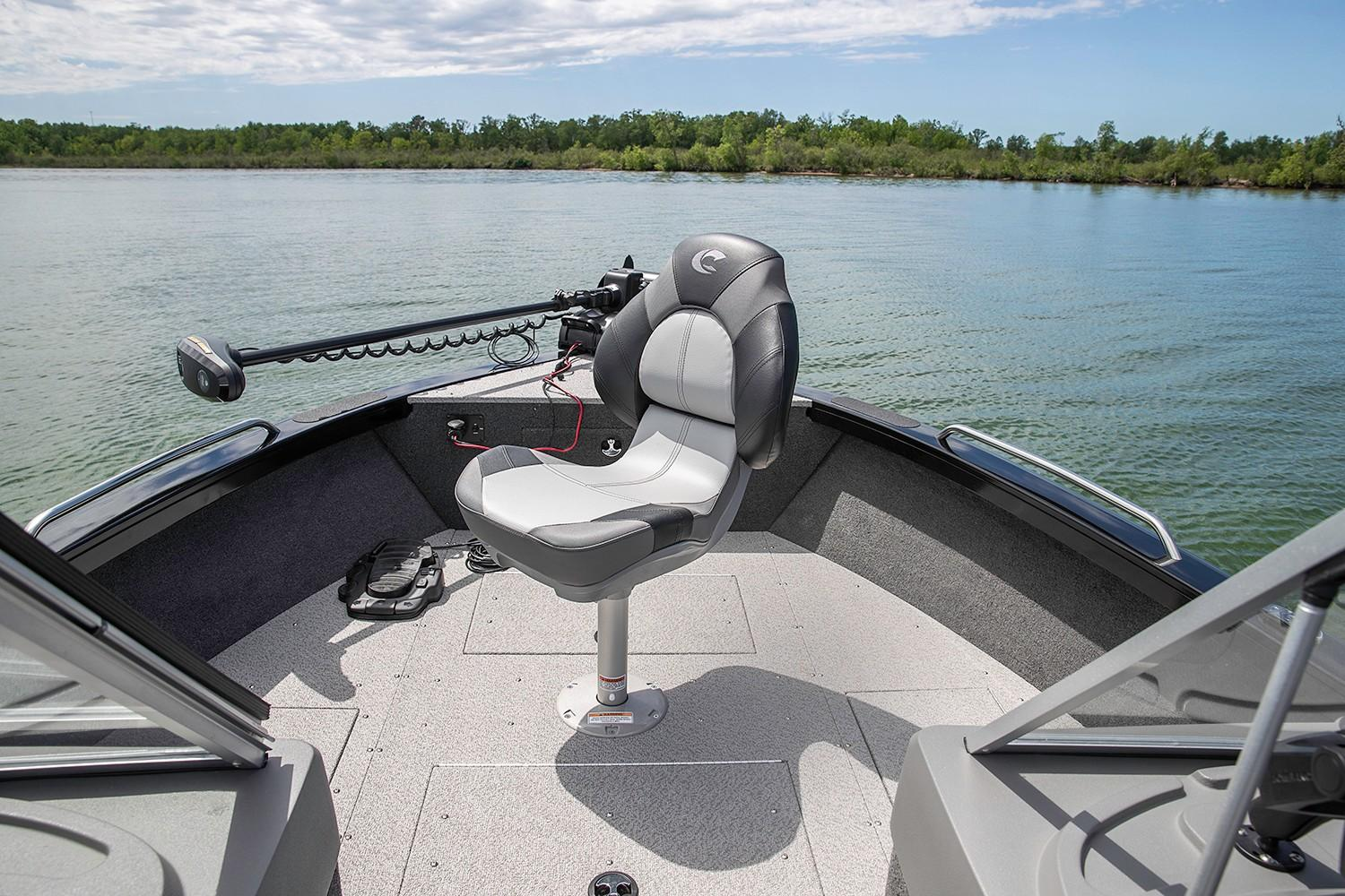 2019 Crestliner 2250 Authority in Kaukauna, Wisconsin - Photo 3