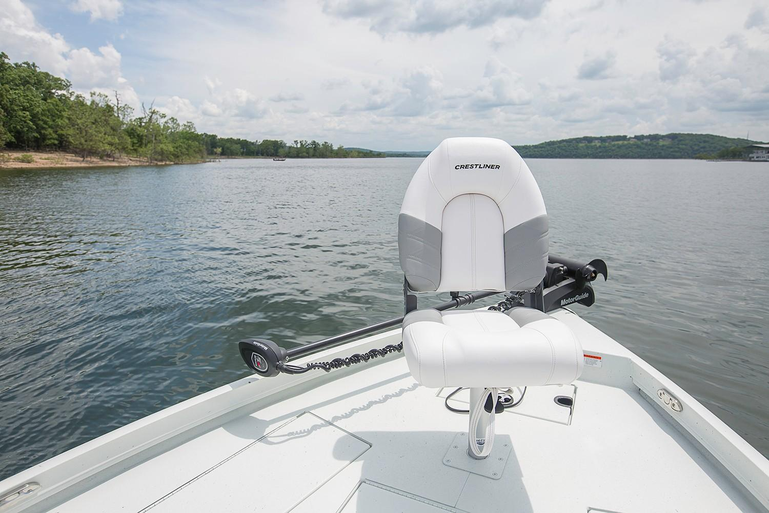 2019 Crestliner 2200 Bay in Kaukauna, Wisconsin - Photo 7