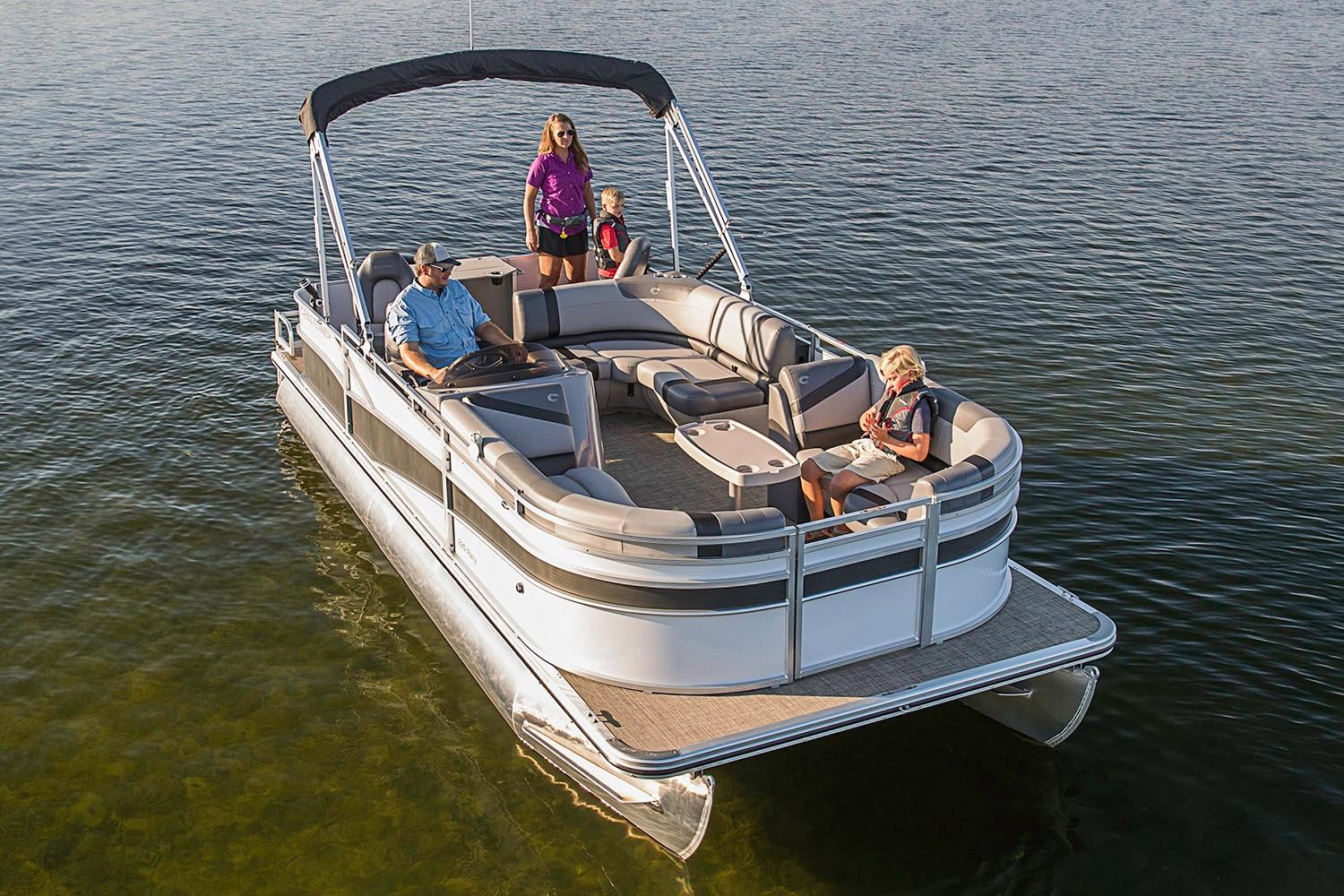 2019 Crestliner 220 Rally FC in Amory, Mississippi