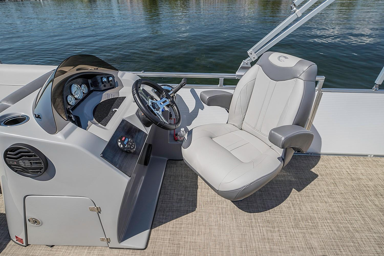 2019 Crestliner 240 Rally CS in Saint Peters, Missouri