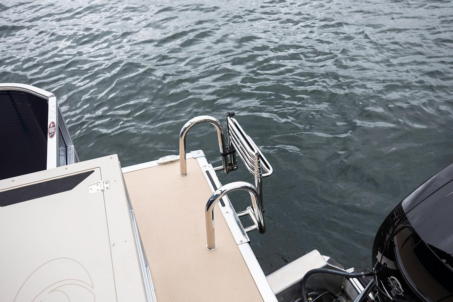 2019 Crestliner 240 Rally DX CS in Kaukauna, Wisconsin