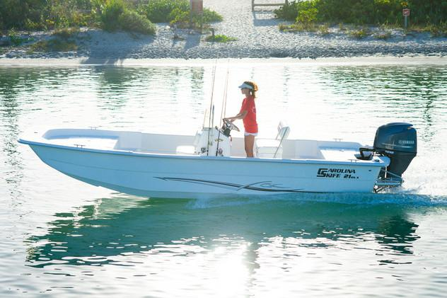 2020 Carolina Skiff 24 DLX in Oceanside, New York - Photo 4