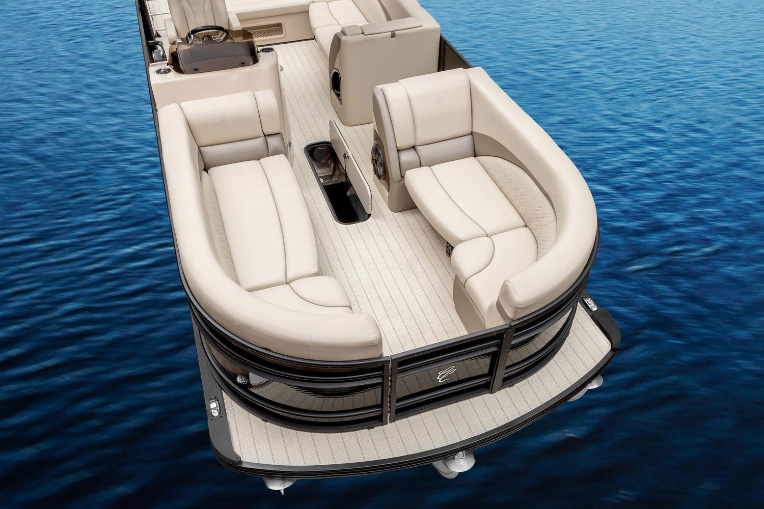 2017 Cypress Cay Cayman LE 230 in Manitou Beach, Michigan