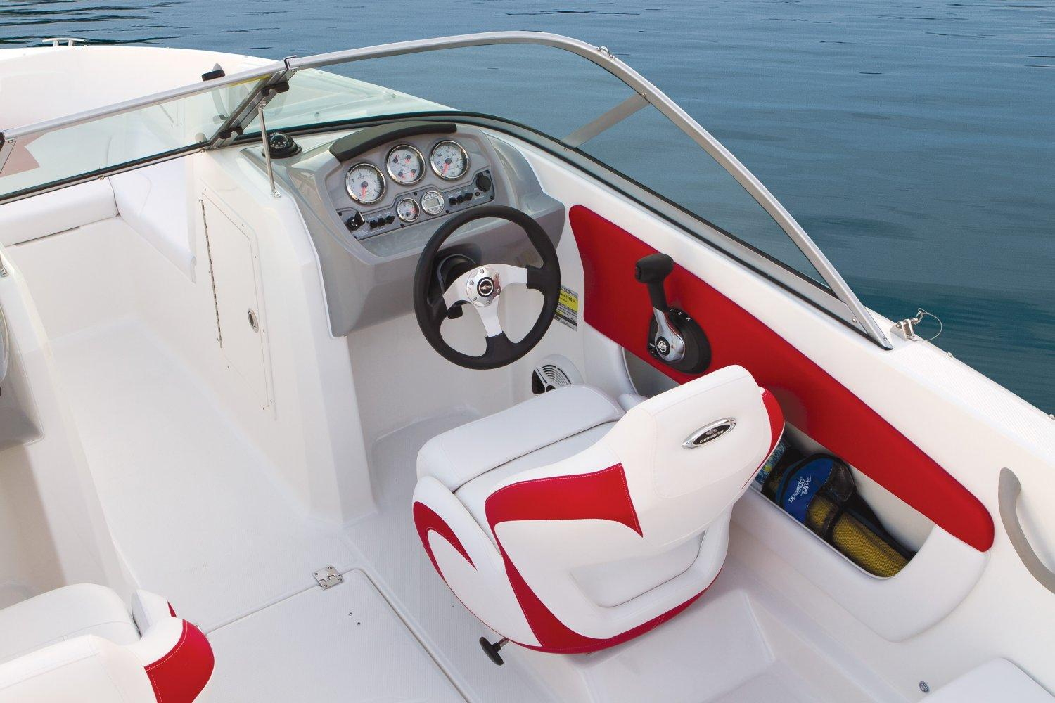 2015 Chaparral 18 H2O Sport in Round Lake, Illinois