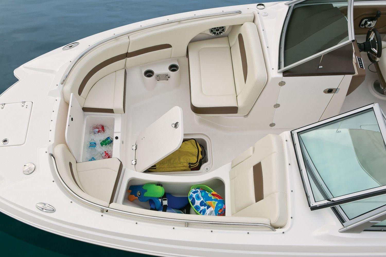 2017 Chaparral 284 Sunesta in Round Lake, Illinois