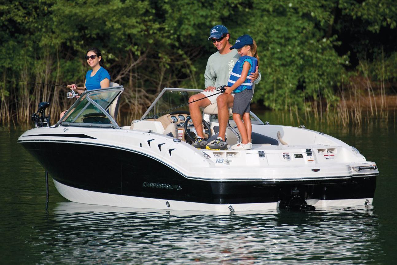 2017 Chaparral 18 H2O Ski & Fish in Round Lake, Illinois