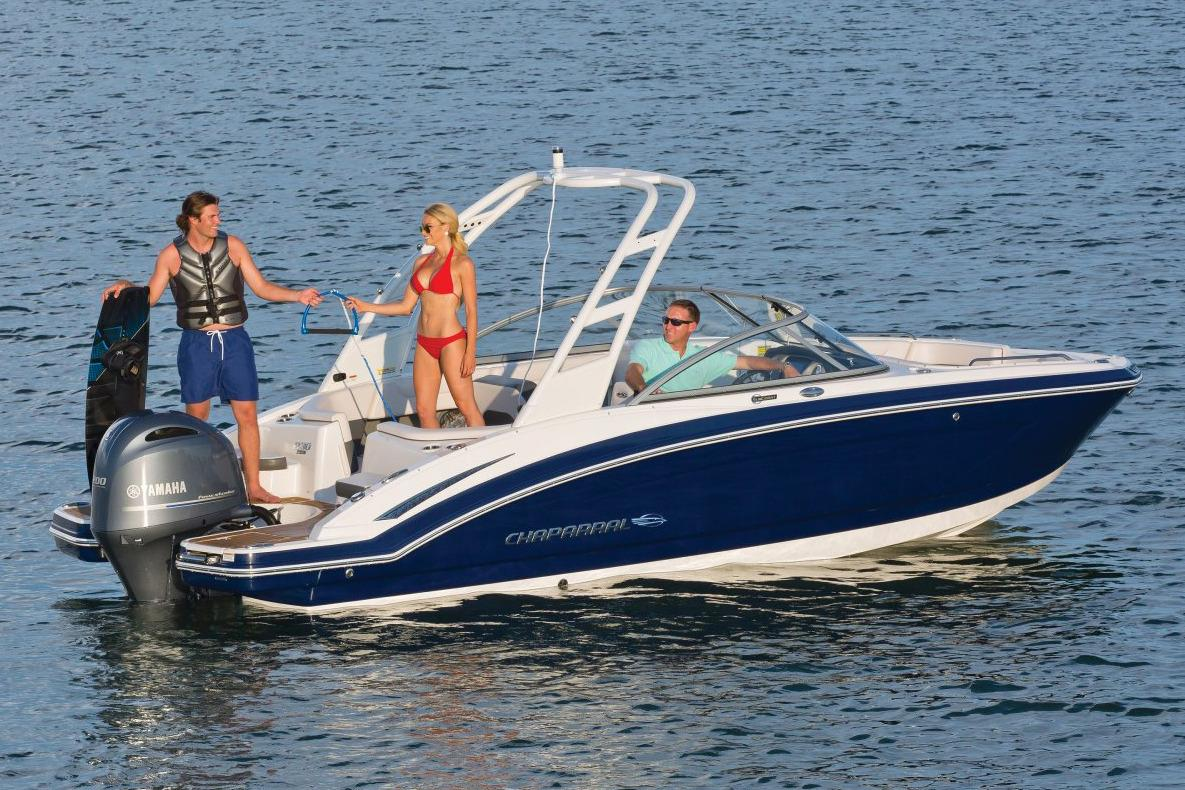 2017 Chaparral 230 Suncoast in Round Lake, Illinois