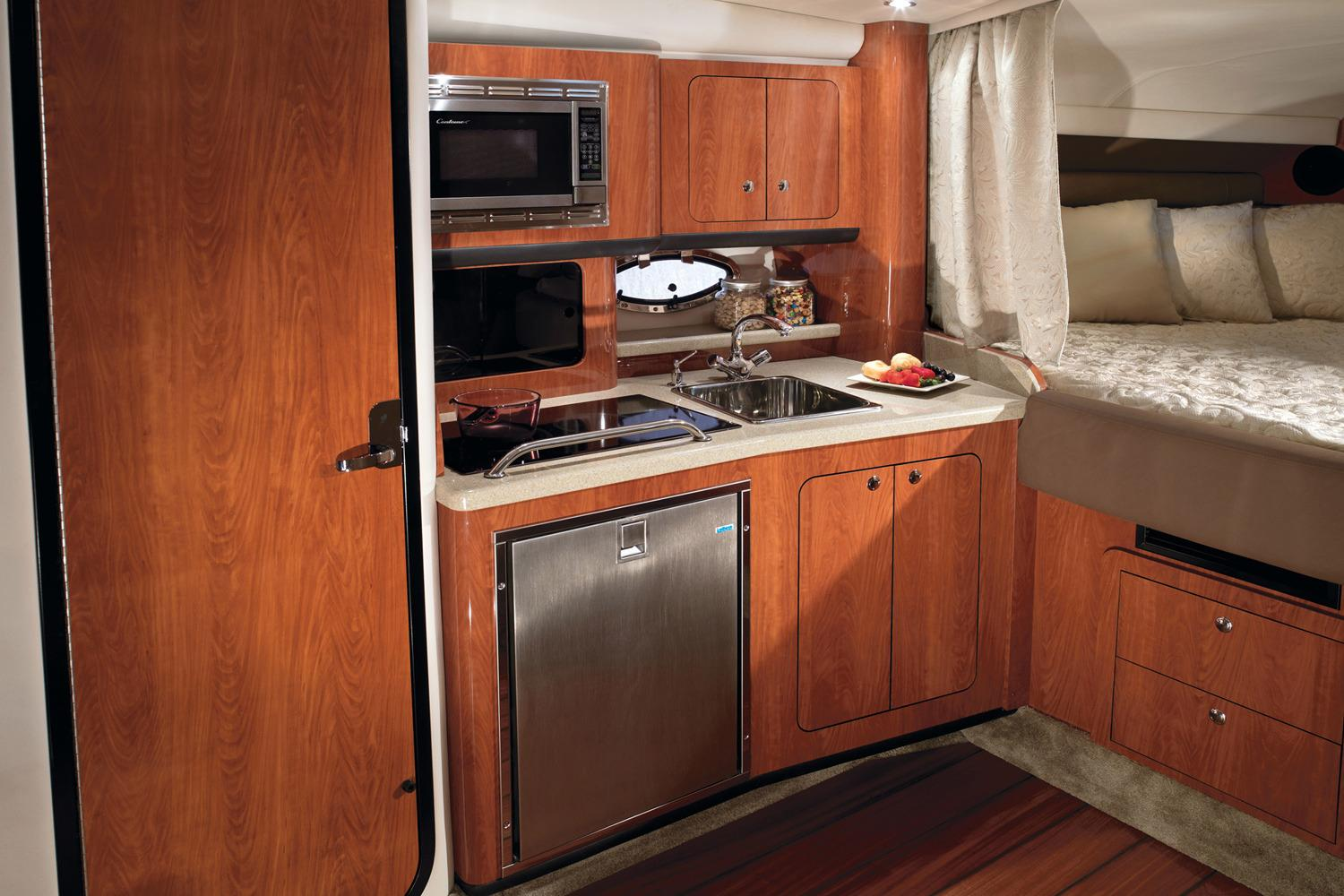 2016 Crownline 330 SY in Osage Beach, Missouri